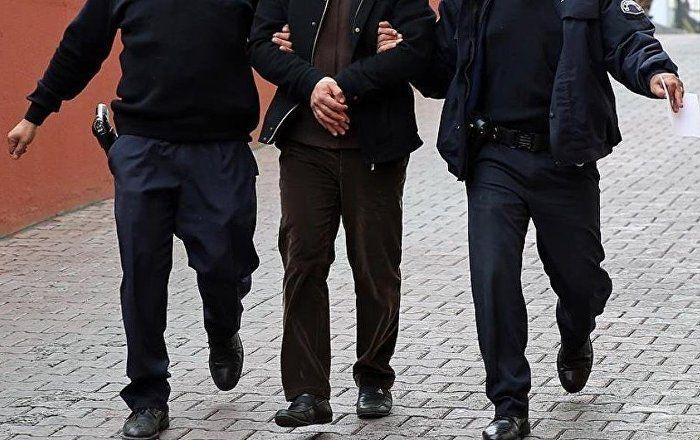 Sputnik Türkiye ///  Fransız gazeteci Batman'da gözaltına alındı, fotoğraf makinalarına el konuldu