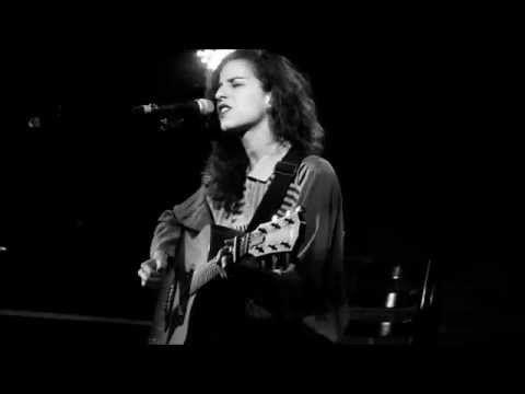 תמר אייזנמן - Never Be The Same Again - Melanie C cover - YouTube