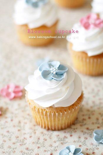 블로썸 바닐라 컵케익(생크림데코)