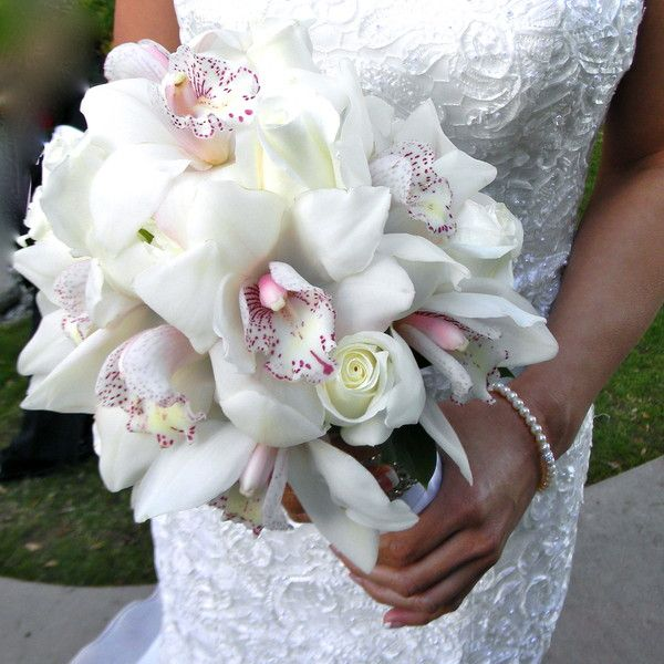 Bridal bouquets Wedding Flowers Photos on WeddingWire