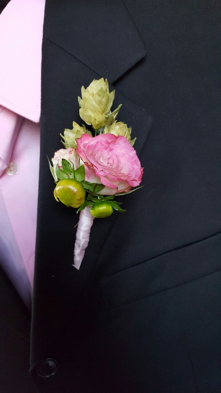 Hops boutonnieres from LeMoore Events in San Diego California https://www.instagram.com/p/BJY8dUoAexv/