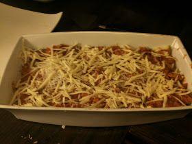 Denne er kjempegod=)) Her er bildet før den er satt i ovnen. Ingredienser ca 3-4 pors: 1 squash 400g kjøttdeig 3 dl kremfløte 1 løk ...