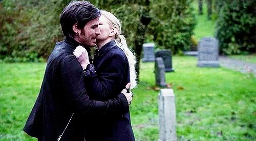 This was improvised by Jen. AAAAHHH <------I love this moment! Though Colin has said that this scene was completely scripted (including kisses). (: