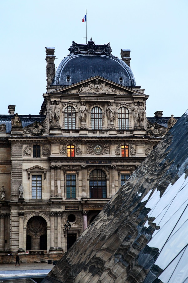 LouvreParis