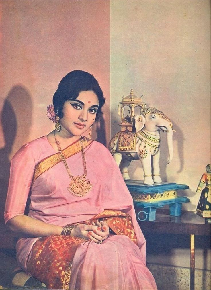 Mesmerising charm from the past saree image vyjayanthimala
