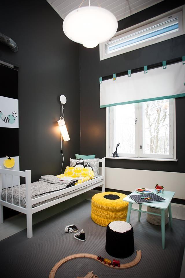 Murakka valaisin #lastenhuone #kidsroom #tetris #keltainen #mustavalkoinen #diy