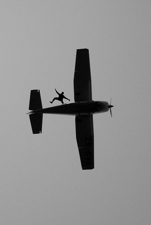 Skydive via r-2-d2 #Photography #Airplane