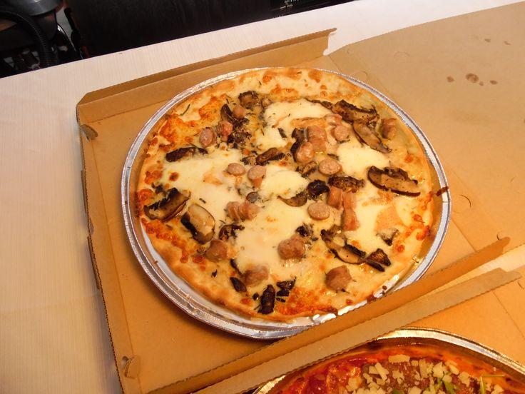 Er der noget bedre end glutenfrie pizzaer som take away? Hvor er det skønt man også kan være doven, som glutenallergiker.