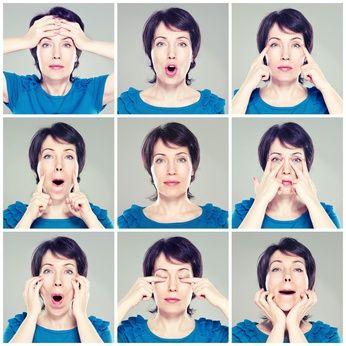 PARÁLISIS DE BELL - PARÁLISIS PERIF: las lesiones periféricas del nervio facial producen parálisis delos músculos faciales de un lado de la cara, acompañada de alteraciones de la secreción lagrimal y salival y de la sensibilidad gustativa, dependiendo del trayecto lesionado del nervio. Las lesiones próximas al ganglio geniculado provocan además parálisis de las funciones motoras gustativas y secretoras.