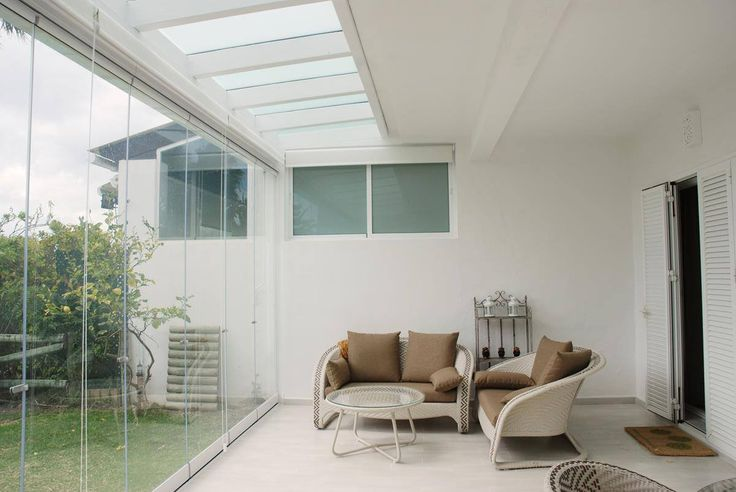 COBERTI Techo fijo de cristal, ampliación de porche con cerramientos de cristal sin marcos. #techo #cristal #ampliación #porche #cerramientos #sin_marcos #coberti #malaga