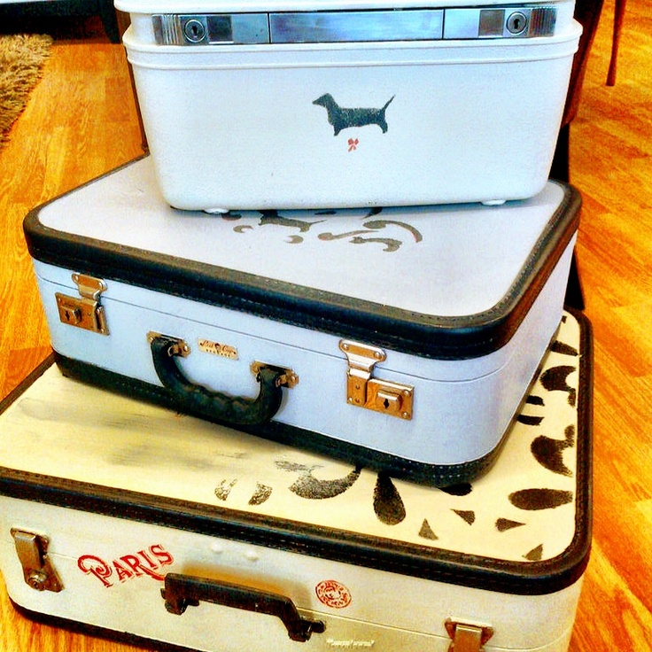 Vintage luggage painted with Annie Sloan Chalk Paint™Luggage Painting, Luggage Ideas, Painting Trim, Painting Luggage, Annie Sloan, Paint Trim, Accent Colors, In Stor Annie, Chalk Painting