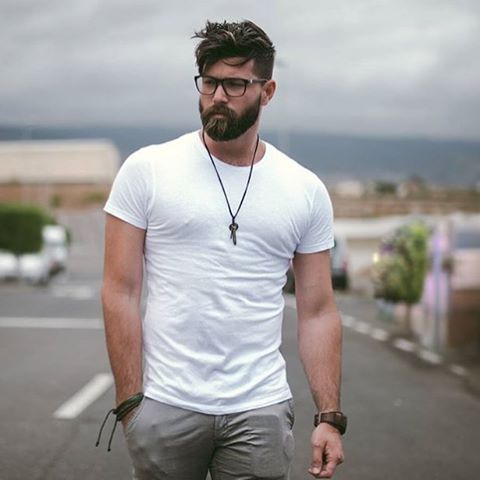 Perfect style ✌️ #Beardstylesmenn and also tag us @beardstylesmenn for shoutout in Hairstylesmenn .✌ .