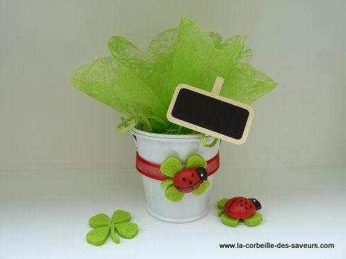 deco-table-bapteme-coccinelle.JPG