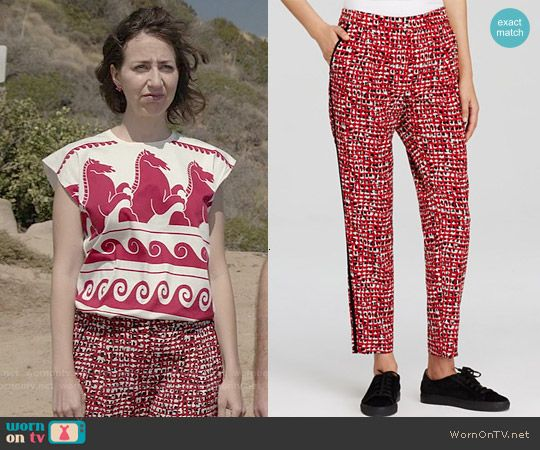 Carol's red printed pants on Last Man on Earth.  Outfit Details: http://wornontv.net/52364/ #LastManOnEarth