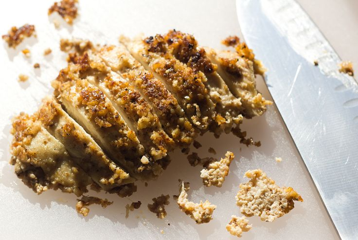 PALEO WALNUT CRUSTED CHICKEN. Wanna give this recipe a shot? - http://paleoaholic.com/paleo/paleo-walnut-crusted-chicken/