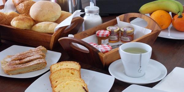 breakfast @ Pino di Loto...  (via I-Escape.com)