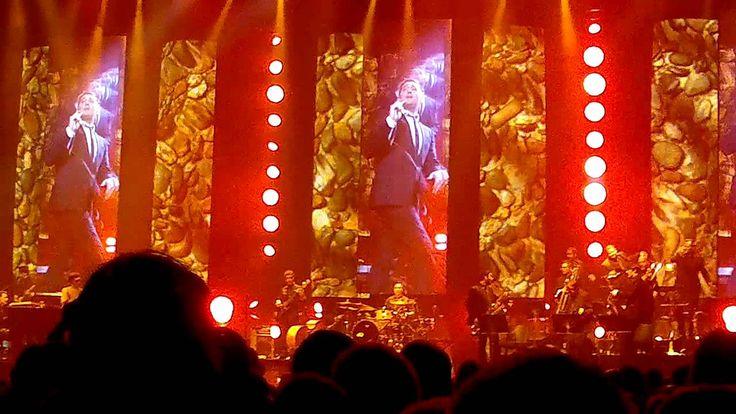 Michael Bublé - Tribute to Michael Jackson/ Twist & Shout (Helsinki, Apr...