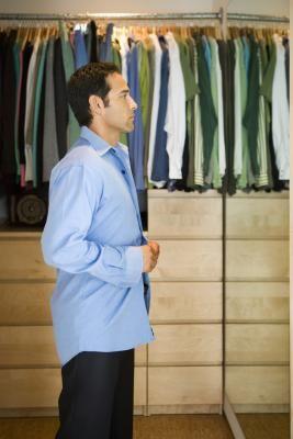 Closet organizing: folding vs. hanging