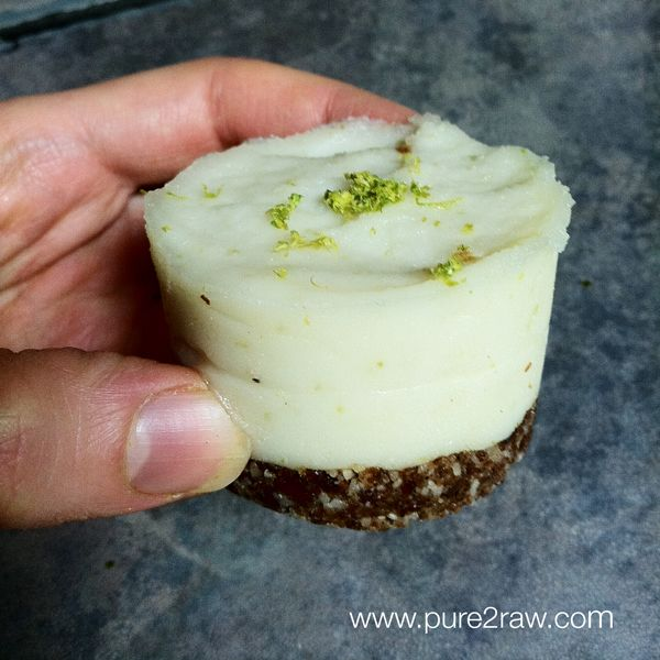 No bake {raw} coconut lime cream cakes! Sound wonderful and refreshing! Simple to make too