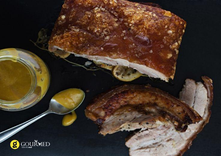 Χοιρινή πανσέτα στον φούρνο με μυρωδικά και μπύρα - gourmed.gr
