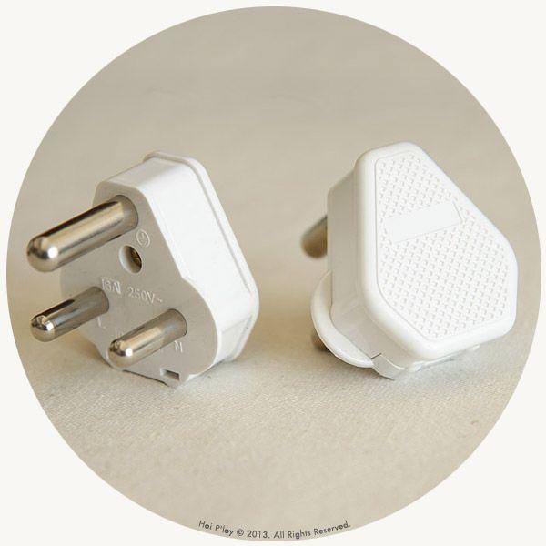 White SA Plug
