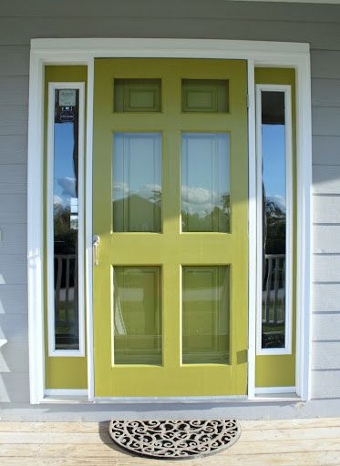 Nice matching front & storm doors, featured on FrontDoorFreak.com