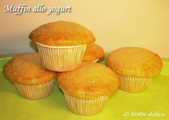 i muffin allo yogurt sono velocissimi da preparare e perfetti per la colazione o la merenda. La ricetta è facile e golosa, provatela e non ve ne pentirete!