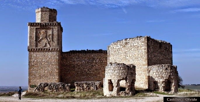 Unos amigos de Paradores: El Castillo de Barcience, Toledo
