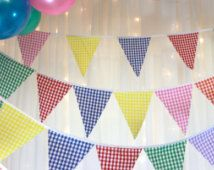 Vichy rouge Bruant jaune vert violet orange rose drapeaux bleus parfaite décoration pour douches de bébé, les mariages, les fêtes, barbecues, fêtes, foires