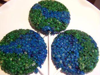 Under The Table and Dreaming: Earth Day Tasty Treats {Cake, Cupcakes, & Krispie Treats}