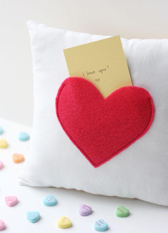 Bolsillo secreto en almohada en manualidades y detalles para regalar, regalos y obsequios originales
