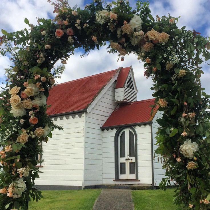 Wedding Arch | Estelle Flowers Weddings | First Day of Summer | Debbie & Callum | Karitane, Dunedin, NZ | www.estelleflowers.co.nz