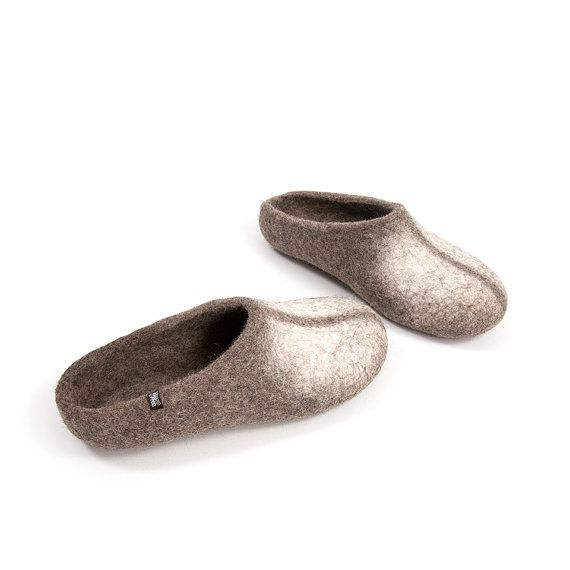 Organic Men's Felt Wool Slippers Low back / Natural by Wooppers