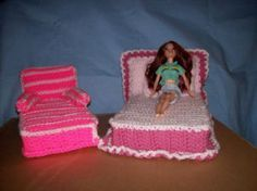 Barbie's Crocheted Bedroom Set. Never thought to crochet the headboard!