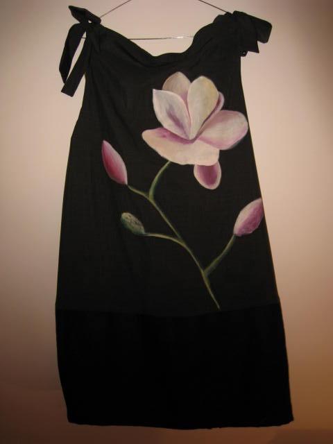 Vestidos artesanales cosidos a mano, y pintados, piezas únicas. Exclusivos.