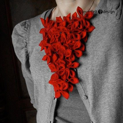 Striking Felt Jewelry - don't think I'd wear this, but it makes a very pretty picture!