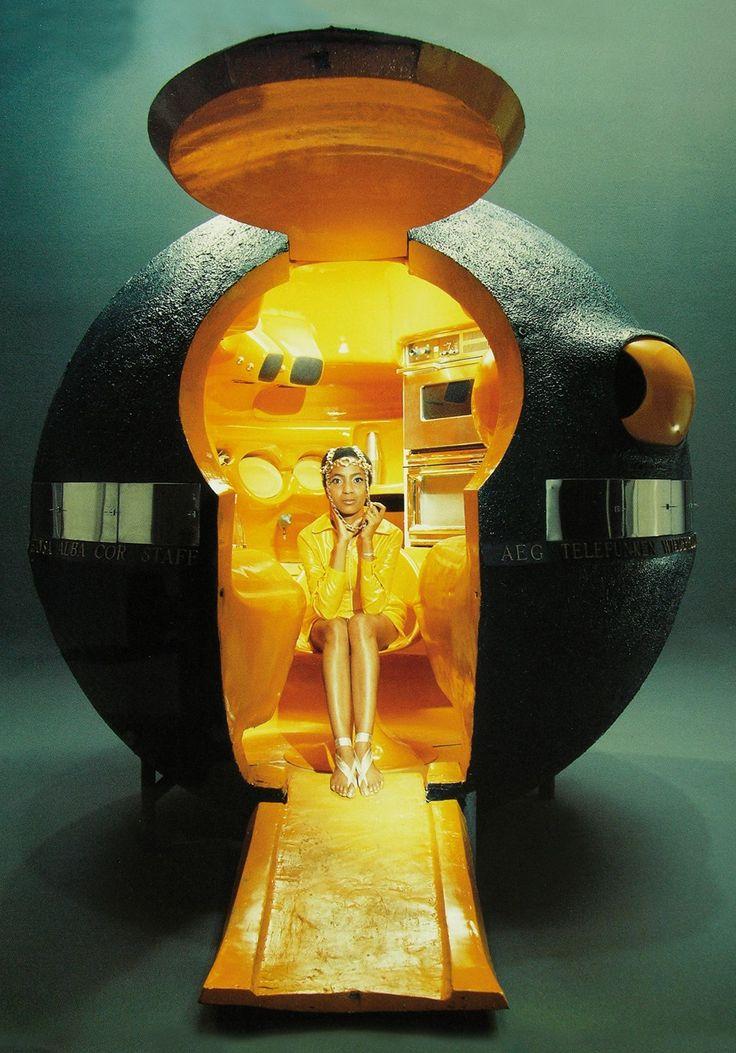 Luigi Colani: Kugelküche (Colani-capsule), 1970. image: Poggenpohl