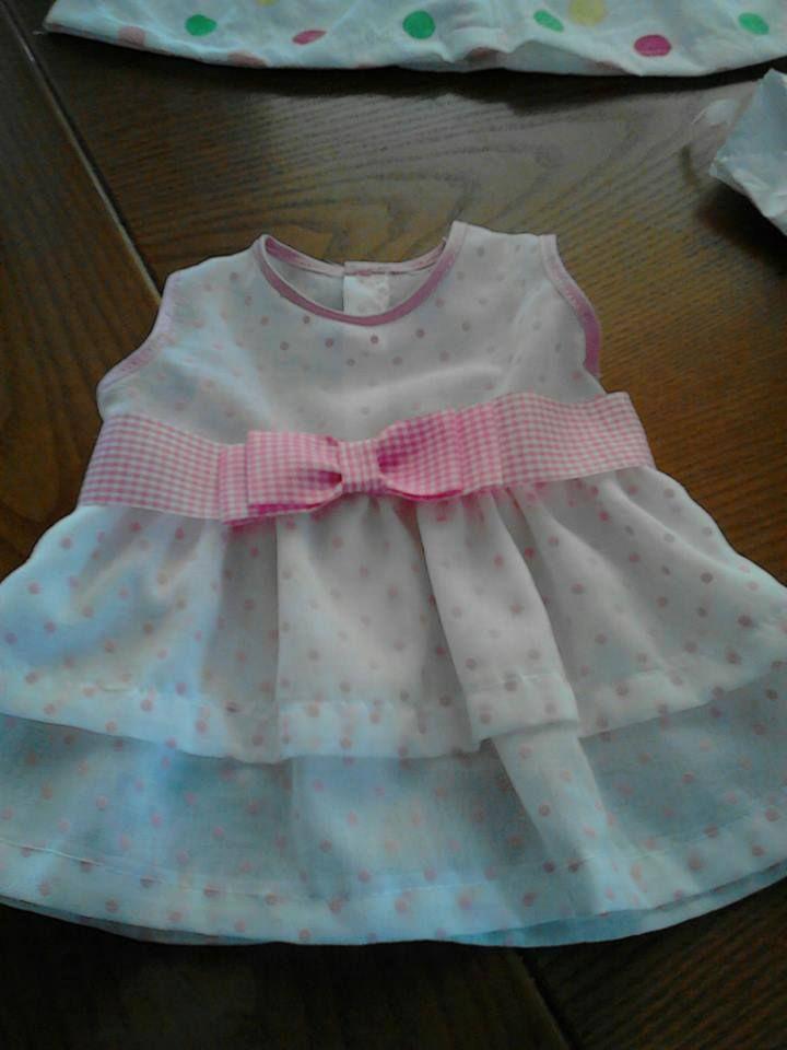 Φορεματάκι από βαμβακερό ύφασμα για μωράκια 0-3 μηνών .