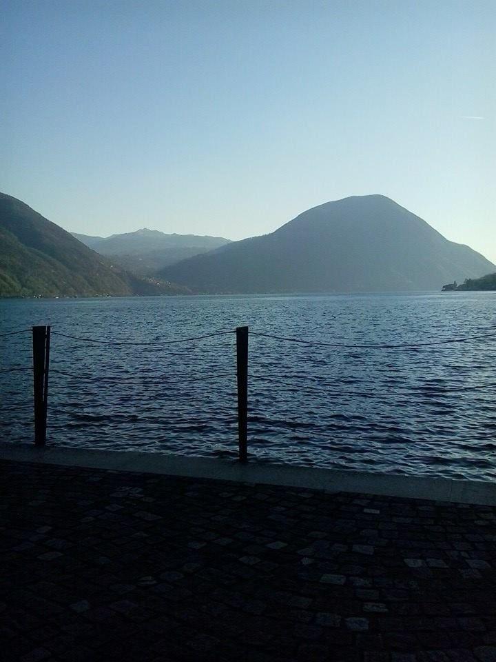 Aperitivo a Porlezza sul lago di Lugano... Il lago mi trasmette sempre pace e tranquillità! Buona serata a tutti!