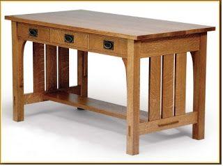 Ah! E se falando em madeira...: mesa de leitura