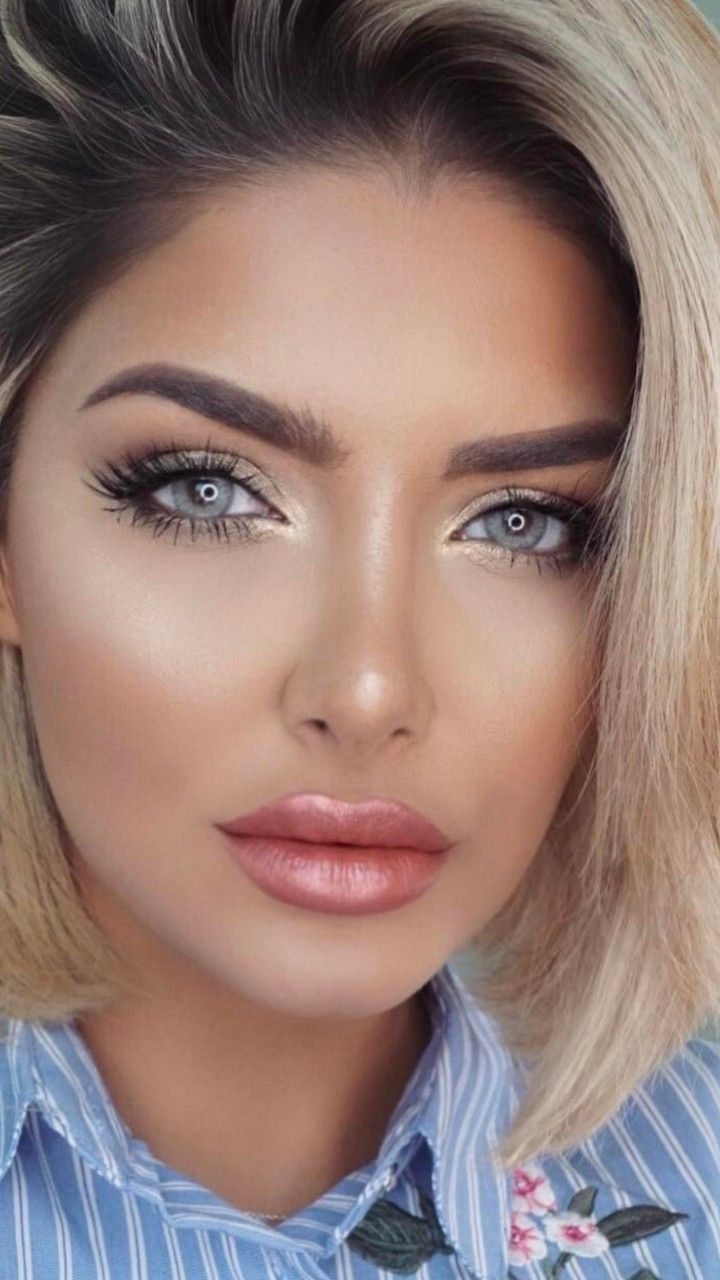 blue eyes, blonde hair, perfect makeup. | perfect makeups in