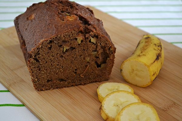 A nice vegan variety on the well know banana bread: Vegan Banana Bread with Apple.