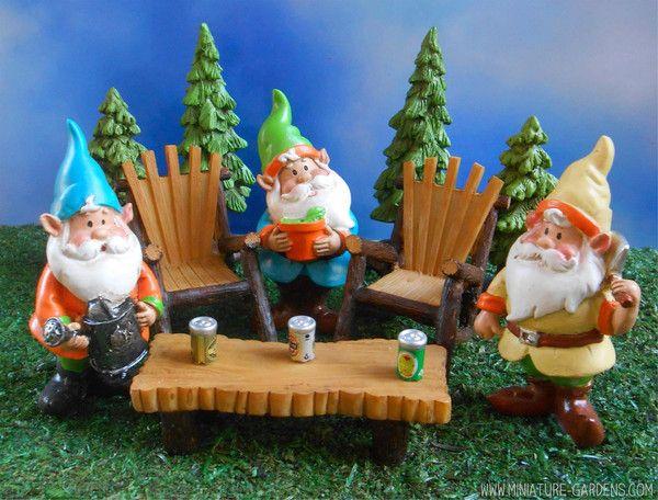 Mini garden gnome party in the fairy garden – Enchanted Gardens