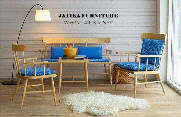 Set Kursi Tamu Retro Vintage Jati adalah kursi tamu yang di desain dengan retro vintage dimana gaya ini banyak peminatnya