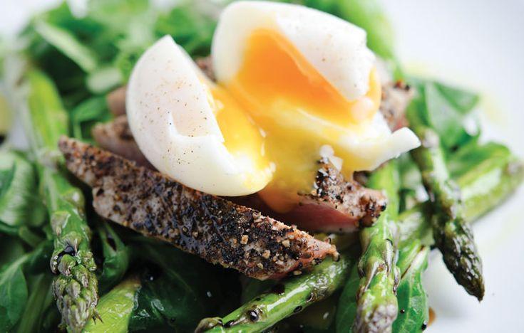 Asparagus and hot tuna Nicoise salad