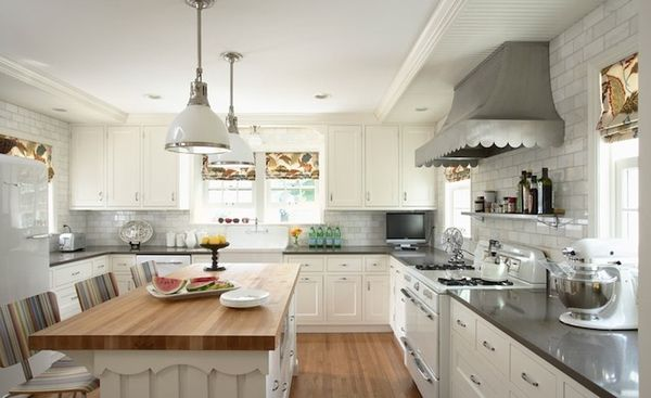 LOVE This Kitchen Love The Scalloped Hood Is It Zinc Lovethelook
