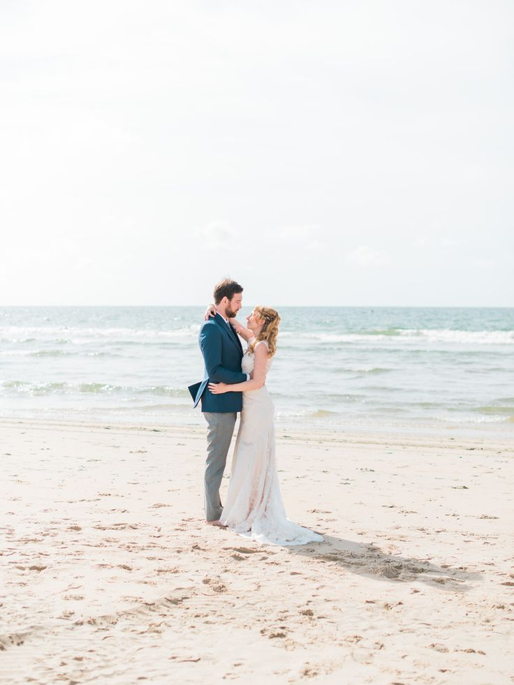 Summer beach Wedding Elopement  Photos Romantic | Rox and San Destination Photography in Ibiza, Mallorca, Barcelona, Formentera, Bali