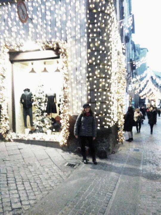 Shopping natalizio 🎁❄⛄  Viterbo, 12/12/2016 #viterbo #viterboshopping #happyness #passeggiata #negozi #regalidinatale #shoppingnatalizio #luminarie #addobbinatalizi #alberodinatale #bellissimo #lucidinatale #magiadelnatale #ariadifesta #happyday