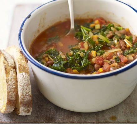Quick Kale & Quinoa Minestrone | Makes 5 servings. 290 calories, 2g fat, 13g protein per serving.