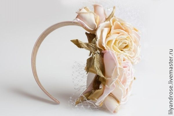 Ободок с розами - Светлана сумки и аксессуары - Ярмарка Мастеров http://www.livemaster.ru/item/5333893-svadebnyj-salon-obodok-s-rozami